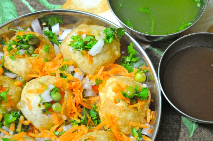 Home_made_Indian_Panipuri.jpg