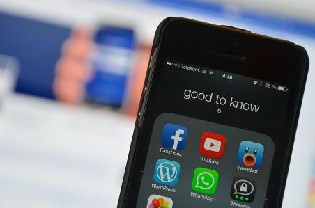 social-media-2201285_1280